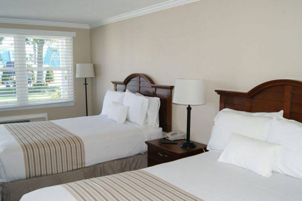 Caper Cod Family Resort hotel room